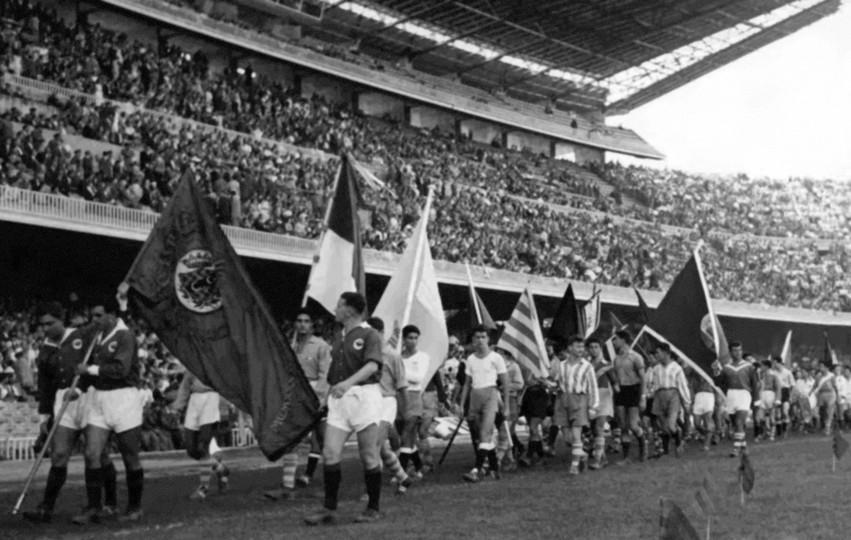Fotografía del día de la inauguración del Camp Nou el 24 de septiembre de 1957