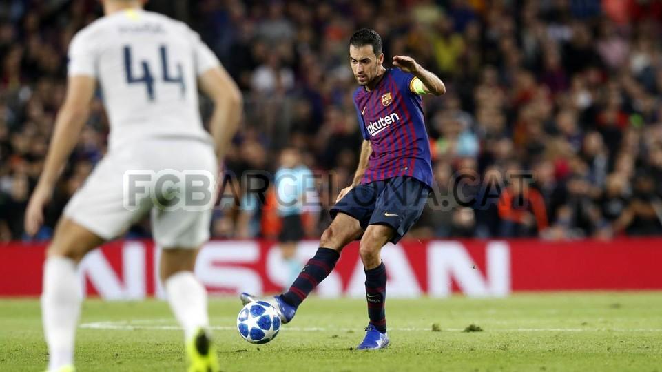 صور مباراة : برشلونة - إنتر ميلان 2-0 ( 24-10-2018 )  101520996
