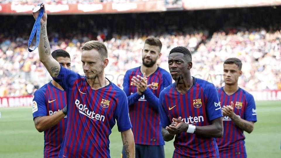 صور مباراة : برشلونة - هويسكا 8-2 ( 02-09-2018 )  97495397
