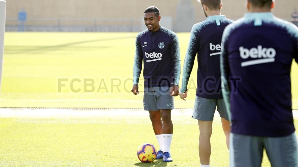 إستعدادات برشلونة لمباراة الكلاسيكو 26-10-2018 101593189
