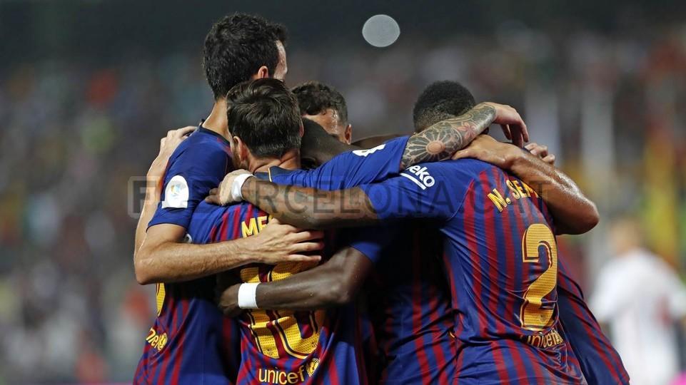 صور مباراة : برشلونة - إشبيلية 2-1 ( 13-08-2018 )  95786087