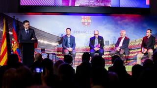 El presidente Josep Maria Bartomeu anuncia que el Club exhibirá un 'tifo' con la bandera y las palabras 'Barça, Barça, Barça' inspiradas en el histórico artículo de Vázquez Montalbán en la revista 'Triunfo'