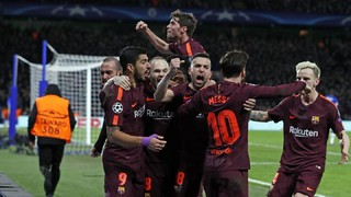 See the goals from Willian for the home side and Leo Messi for the visitors as well as all the best action from the first leg of the last 16 Champions League tie