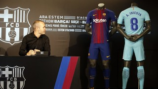Inside View of Andrés Iniesta signing a lifetime contract with Barça