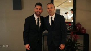 Behind the scenes with Messi and Iniesta at FIFA's 'The Best' Gala