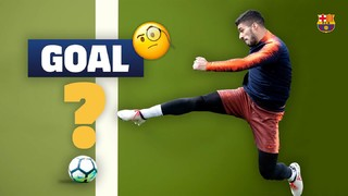 In a session at the Ciutat Esportiva Joan Gamper, two goals from Suárez needed the help of virtual video referee. Will the goals be given? Find out in the following video!