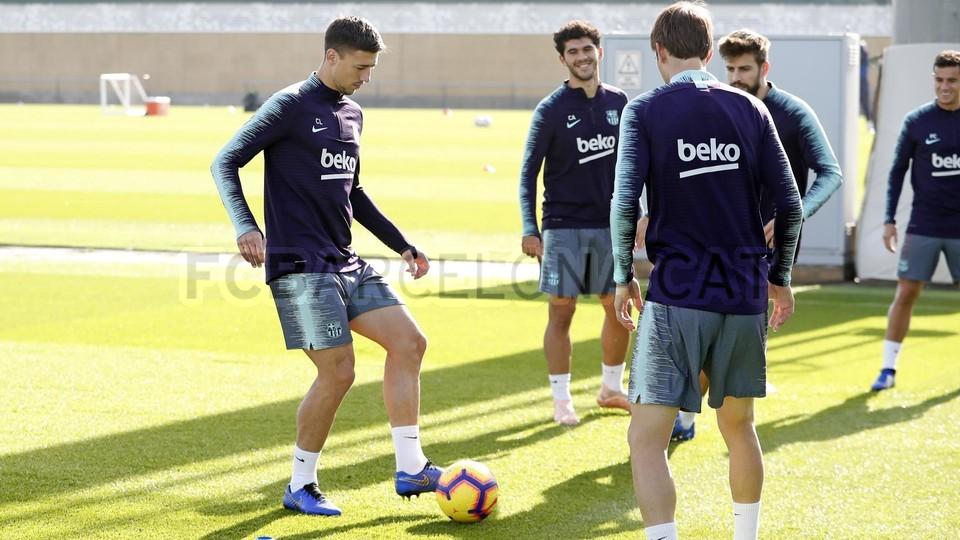 إستعدادات برشلونة لمباراة الكلاسيكو 26-10-2018 101593195