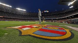 Ne manquez rien des images inédites de la dernière rencontre de l'entraîneur du Barça dans le Stade