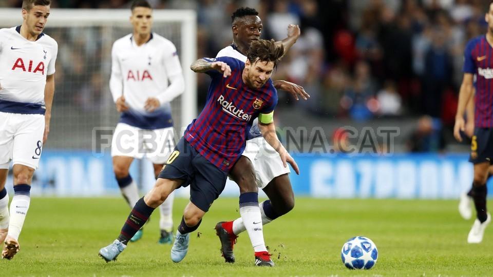 صور مباراة : توتنهام - برشلونة 2-4 ( 03-10-2018 )  100648044