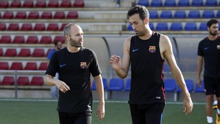Iniesta and Paulinho, new faces for trip to Vitoria