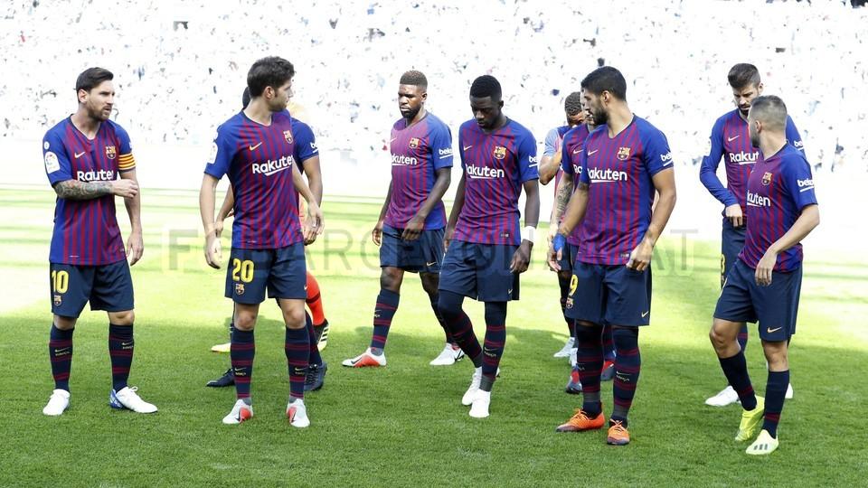 صور مباراة : ريال سوسيداد - برشلونة 1-2 ( 15-09-2018 ) 98623854