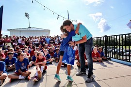 Belletti visits the Northern Virginia FCBEscola