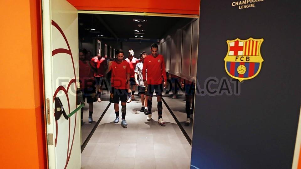 صور مباراة : برشلونة - PSV إندهوفن 4-0 ( 18-09-2018 )  98934383
