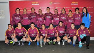 18 exjugadores del FC Barcelona van formar l'equip de l'Agrupació que es va enfrontar al Vilassar de Mar en un partit d'entrenament