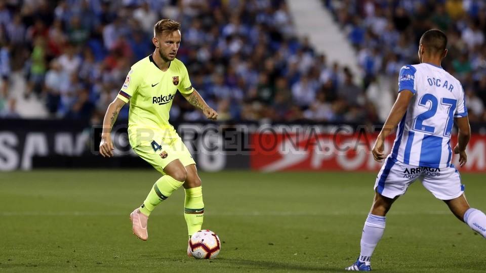 صور مباراة : ليغانيس - برشلونة 2-1 ( 26-09-2018 ) 99772785