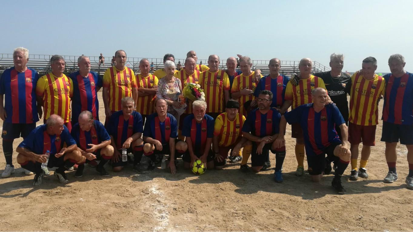 Un grupo de exjugadores más veteranos de la Agrupación han inaugurado el 21º torneo en memoria de Eduardo Manchón