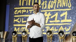 Juan Carlos Navarro s'ha acomiadat del Barça Lassa rodejat dels seus, en un acte molt emocionant al Palau Blaugrana