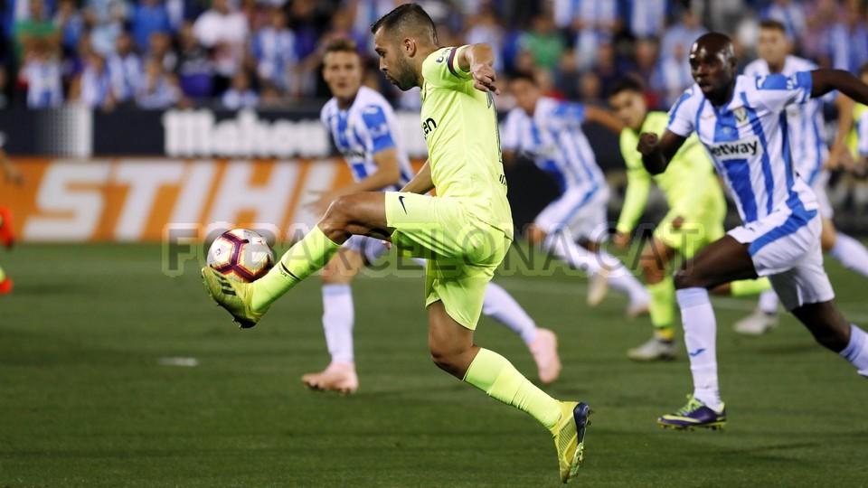 صور مباراة : ليغانيس - برشلونة 2-1 ( 26-09-2018 ) 99786099