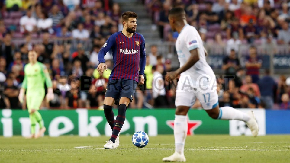 صور مباراة : برشلونة - PSV إندهوفن 4-0 ( 18-09-2018 )  98884212