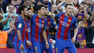 A great team move in the build-up to Messi's audacious penalty kick