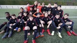 Ter Stegen pays a surprise visit to the U14B team, tournament winners in Germany