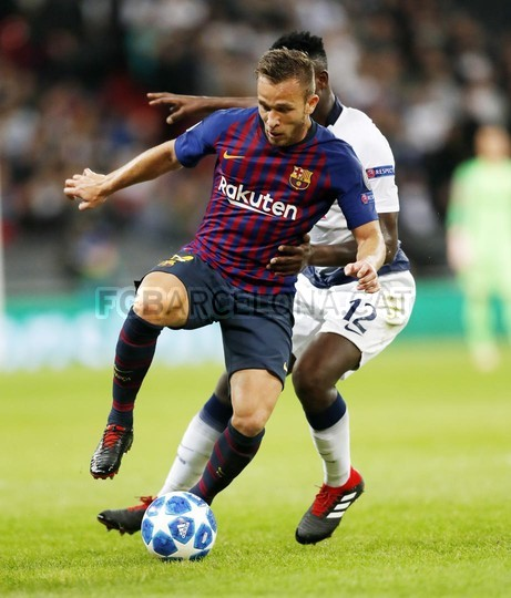 صور مباراة : توتنهام - برشلونة 2-4 ( 03-10-2018 )  100648056