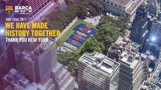 Close to 4,000 blaugrana fans come to Bryant Park to create a mosaic of the Barça shirt with the Rakuten and UNICEF logos