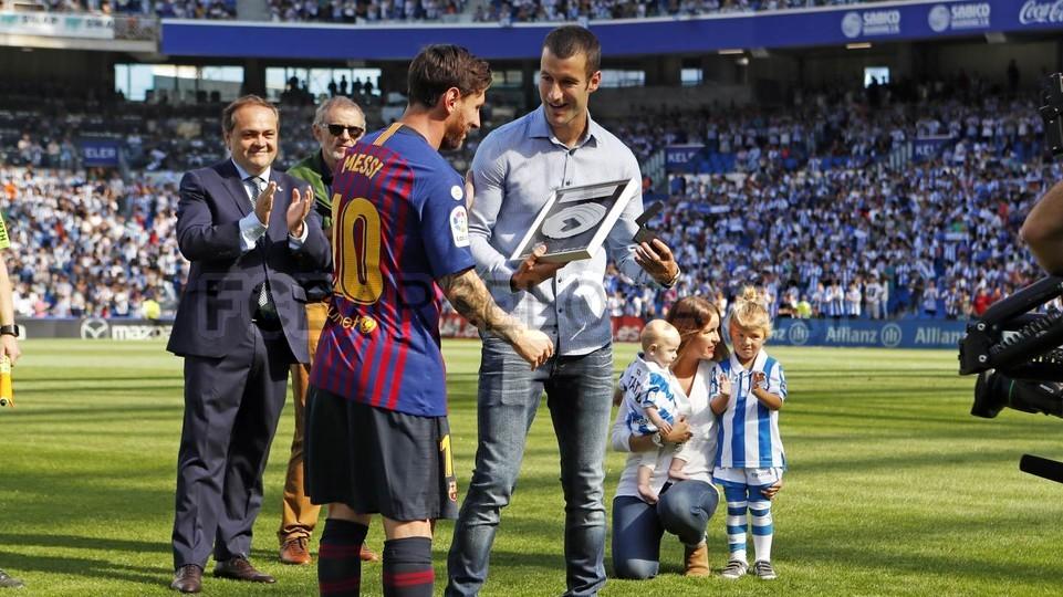 صور مباراة : ريال سوسيداد - برشلونة 1-2 ( 15-09-2018 ) 98507386