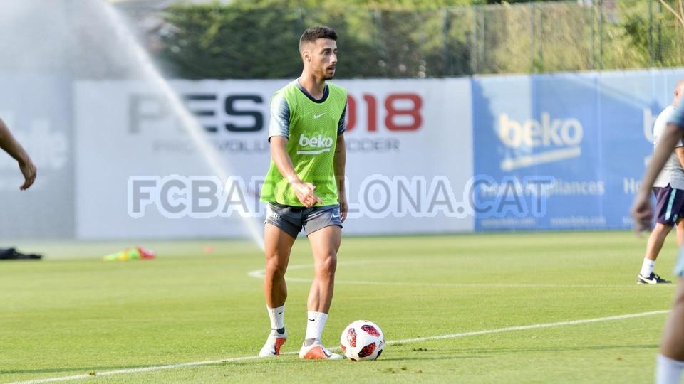 تدريب مشترك مع برشلونة ب ، ميسي ، بيكي ، جوردي ألبا ، سيرجيو ، سامبر  95314042