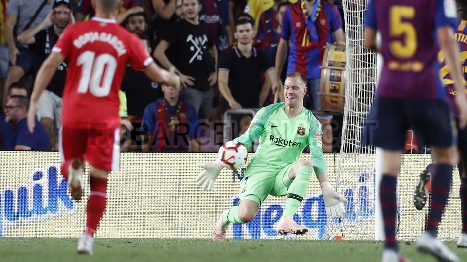 صور مباراة : برشلونة - جيرونا 2-2 ( 23-09-2018 )  99551615