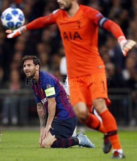 صور مباراة : توتنهام - برشلونة 2-4 ( 03-10-2018 )  100686463