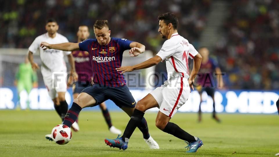 صور مباراة : برشلونة - إشبيلية 2-1 ( 13-08-2018 )  95761792