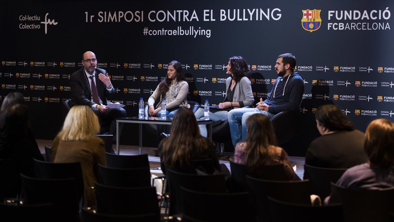 Exitós 1r Simposi contra el Bullying, celebrat a l'Auditori 1899 del FC Barcelona, en què han participat víctimes, experts en la matèria i periodistes