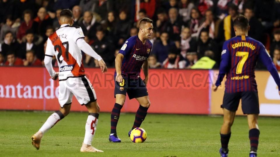 صور مباراة : رايو فاليكانو - برشلونة 2-3 ( 03-11-2018 )  102033028