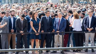 The President Josep Maria Bartomeu and the Directors Pau Vilanova and Maria Teixidor represent the Club at the Ramblas in Barcelona