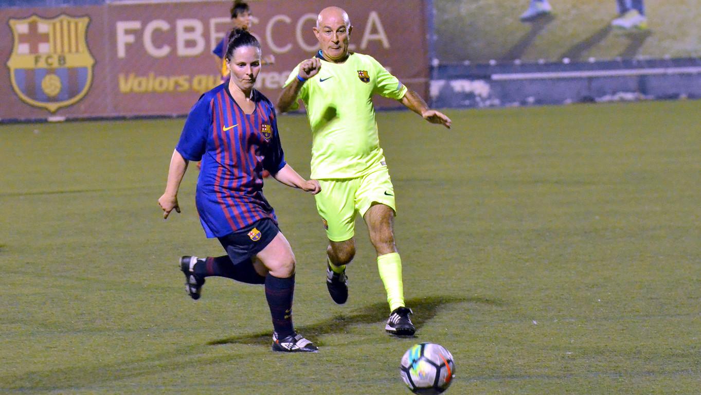 Amistós entre els equips femení i masculí de l'Agrupació Barça Jugadors