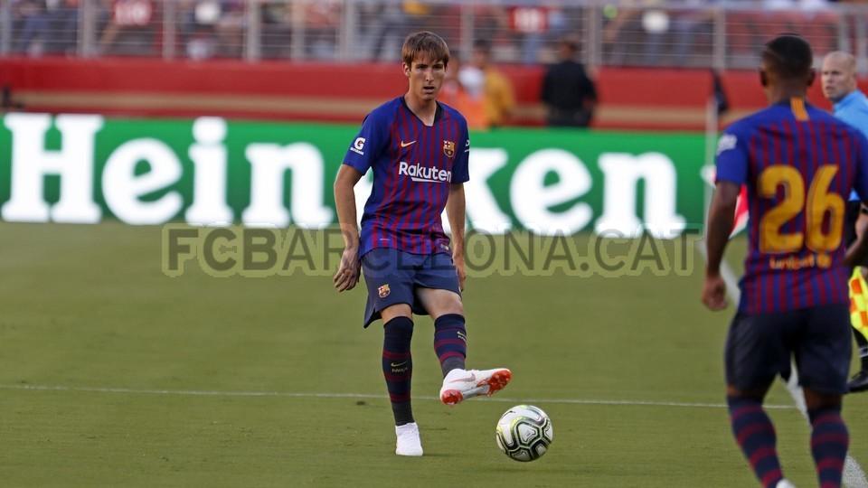 صور مباراة : برشلونة - ميلان 0-1 ( 05-08-2018 )  95385736