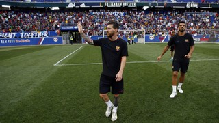 As thousands came out to see the Catalans train on Friday—their final session before Saturday's preseason opener versus Juventus—Ernesto Valverde's drills drew plenty of cheers from an eager crowd