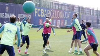 Barça Dodgeball: A new variant sneaks into one of the team's training sessions