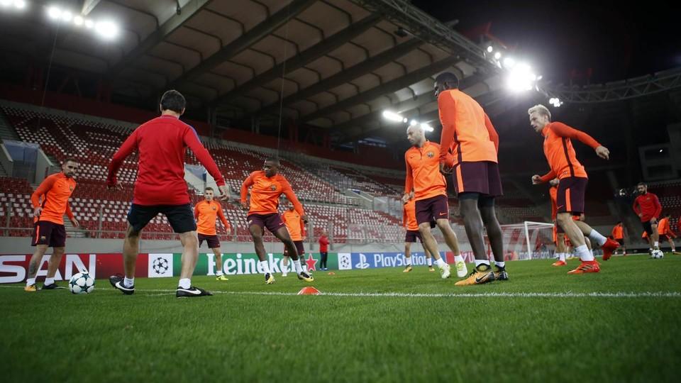 Barcelona treinando antes da partida
