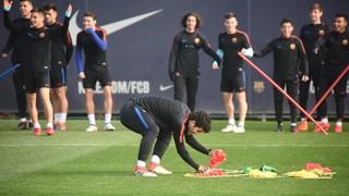 El joc del cub de Rubik a l'entrenament del Barça B