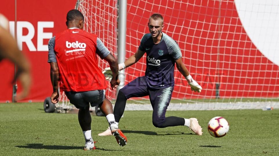 تدريبات مكثفة في برشلونة استعداداً لمباراة الأحد ضد جيرونا 21-09-2018 99246994