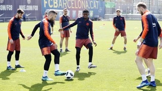 Ivan Rakitic returned to training with the group after his recent metacarpal operation