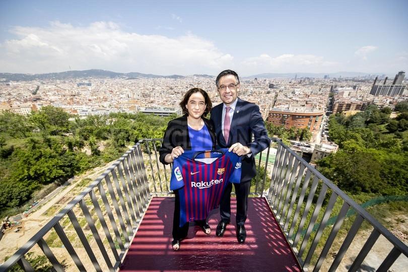 حفل تقديم القميص الجديد لنادي برشلونة لموسم 2018-2019 83942808