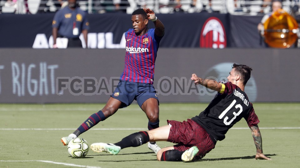 صور مباراة : برشلونة - ميلان 0-1 ( 05-08-2018 )  95385754