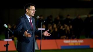 """Josep Maria Bartomeu: """"Tenen formació futbolística, però també com a persones. És un viatge perquè això arribi a bon final"""