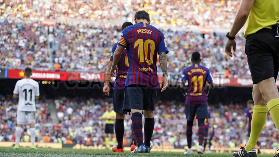 صور مباراة : برشلونة - هويسكا 8-2 ( 02-09-2018 )  97495451