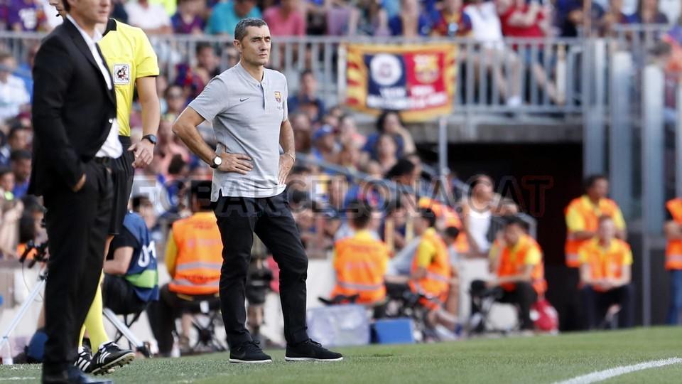 صور مباراة : برشلونة - بوكا جونيورز ( 16-08-2018 )  95974304