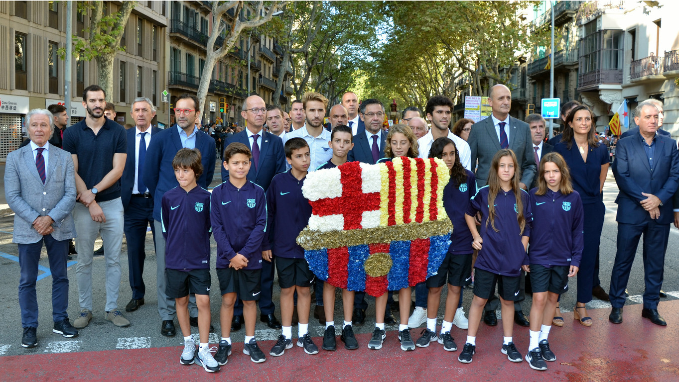 El president de l'Agrupació i alguns directius van acompanyar la directiva del Club durant l'acte del dia Nacional de Catalunya