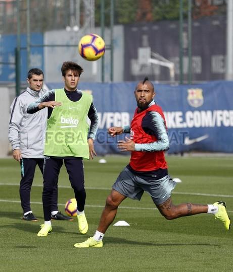 إستعدادات برشلونة لمباراة الكلاسيكو 26-10-2018 101593249